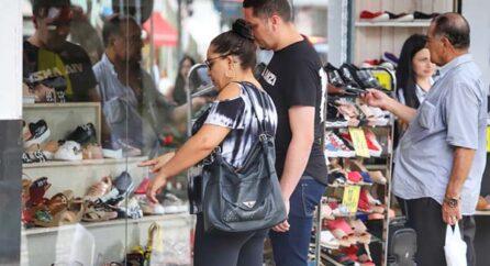 Dia dos Pais desperta otimismo no comércio do Paraná