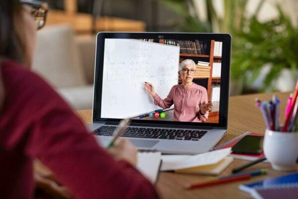 O ensino on-line trouxe quais mudanças para os professores?